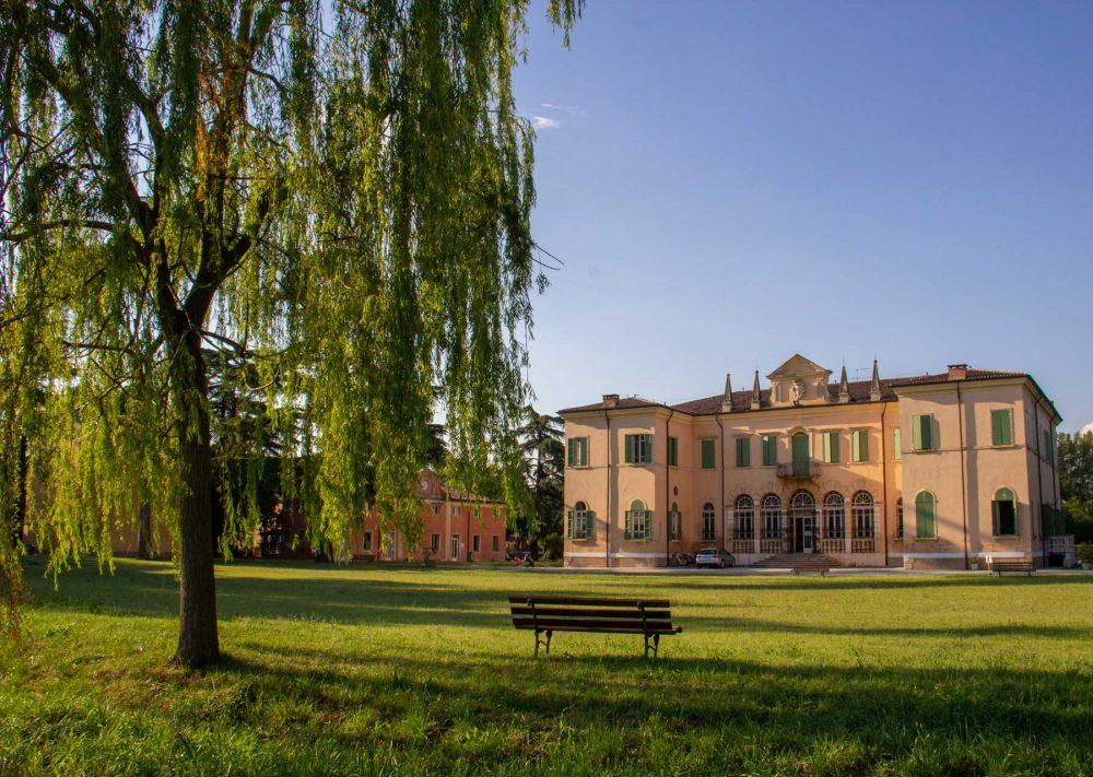 Fucina Culturale Machiavelli-Gambe all'aria-festival-villa-buri